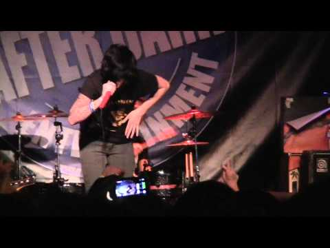 Sleeping With Sirens- If You Can't Hang (live @ Xtreme Wheelz 10/17/11)