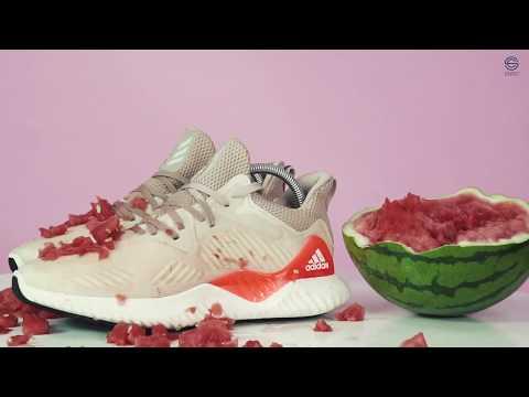 Vệ sinh giày Alphabounce bị ngâm trong nước dưa hấu