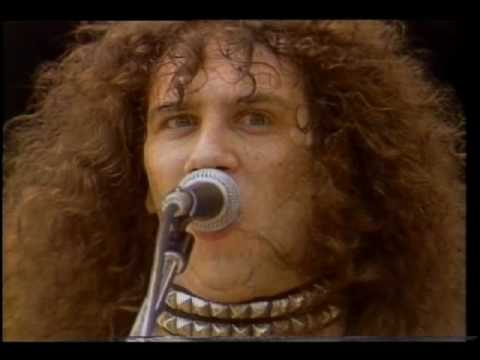 anvil - Buy on iTunes: http://bit.ly/17kzHol Follow us on Twitter: http://twitter.com/unidiscmusic Anvil - Metal On Metal (Live) Toronto, Canada's Anvil were one of ...