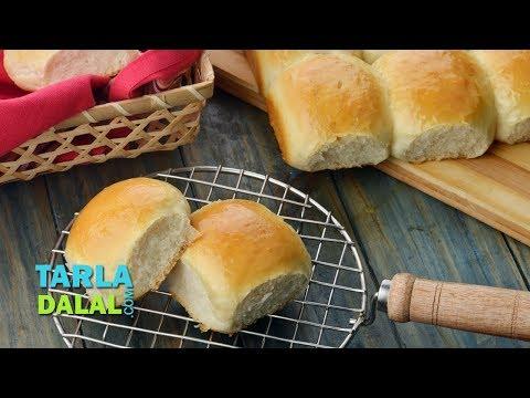लादी पाव (Ladi Pav, Eggless Homemade Laadi Pav Buns) by Tarla Dalal