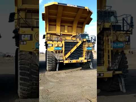 CATERPILLAR OFF HIGHWAY TRUCKS 793D equipment video jDhTNVuCnbE