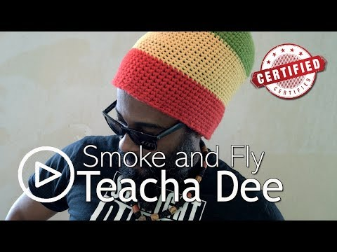 andflies - Teacha Dee singing a hit song on the riddim Kingston Town made popular by alborosie.. lyrics intro stadadidada, da da, teacha say, a want yuh listen wha teac...