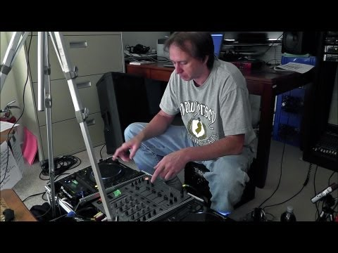 DJ'ing for Beginners – Basic Beat-Mixing, using CD Players with Pitch Controls