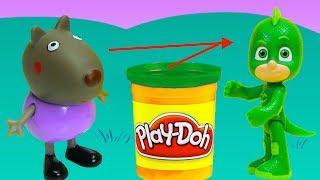 Vamos fazer vestidos e fantasias de massinha Playdoh pro Dani Cão (Danny Dog), da turma da Peppa Pig! Ele vai fantasiar de Lagartixo (Gecko), dos Herois de Pijama (PJ Masks)!!! Tambem tem muitos brinquedos surpresas!  Inscreve-se em ►http://www.happytoystv.net  e não perca os próximos vídeos. Massinhas PlayDoh Patrulha Canina aprendendo as cores abrindo brinquedos surpresas em portugues! Peppa é uma porquinha linda e amorosa tem 5 anos de idade e adora se divertir com seus pais, Papai Pig e Mamãe Pig , e seu irmãozinho George.Ela adora brincar de se fantasiar e passa o dia saltando entre poças de lama ao redor de sua casa. Suas aventuras sempre terminam com muitas gargalhadas!George Pig - irmão de 3 anos de Peppa, que adora brincar com sua irmã mais velha. Seu brinquedo favorito é um dinossauro, que ele leva para toda parte. Costuma chorar quando se assusta ou quando perde o seu amigo dinossauro.PJ Masks (Heróis de Pijama (título no Brasil) ) é uma série de desenho animado britânico-francesa produzido pela Entertainment One, Frog Box, e TeamTO. A série foi baseada na série de livros Les Pyjamasques de autor francês, Romuald Racioppo. É exibido pela Disney Junior nos Estados Unidos em 18 de setembro de 2015, bem como no Brasil e em Portugal. Em Portugal, a série estreou em 11 de janeiro de 2016, e no Brasil, estreou em 26 de setembro de 2016.Personagens PJ Masks - Connor/Catboy (Menino Gato no Brasil) - Amaya/Owlette (Corujita no Brasil e Corujinha em Portugal) - Greg/Gekko (Lagatixo no Brasil)Vilões - Romeo - Night Ninja (Ninja Nocturno) - Luna Girl (Garota Lunar no Brasil e Lunática em Portugal)Veículos - The Cat-Car (O Felinomóvel no Brasil e O Gatomóvel em Portugal) - The Owl-Glider (O Planador Coruja no Brasil e O Coruja-planador em Portugal) - The Gekko-Mobile (O Lagatixomóvel no Brasil e O Gekkomóvel em Portugal)Para não perder nenhum vídeo, inscreva-se:  http://www.happytoystv.netPeppa Pig Massinha George Pig Fantasia Menino Gato Herois de Pijama Brinquedos S