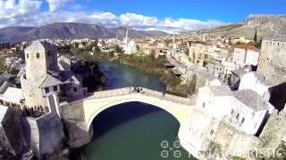 فيديو موستار من السماء، جولة في المدينة