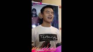 Nonton Pengalaman Dion Wiyoko Saat Syuting Film  Terbang  Menembus Langit  Film Subtitle Indonesia Streaming Movie Download