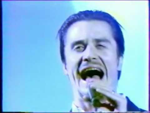 "Faith No More - ""Stripsearch"" Live"