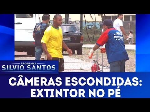 Extintor no Pé  Câmeras Escondidas (20/05/18)