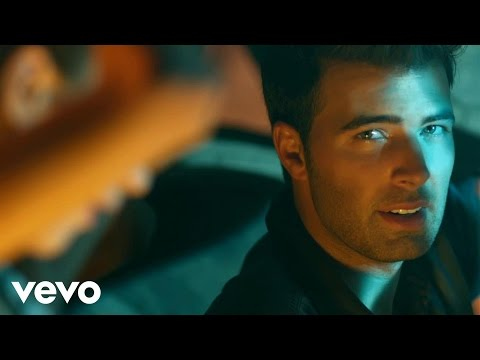 Jencarlos Canela – I Love It