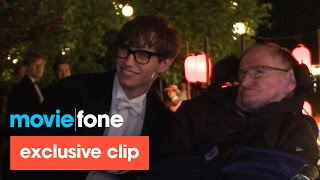 Nonton  The Theory Of Everything    Stephen Hawking Visits The Set Film Subtitle Indonesia Streaming Movie Download