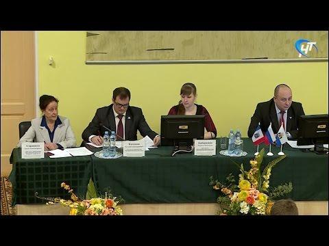 В НовГУ прошло выездное заседание Молодежного парламента при областной Думе