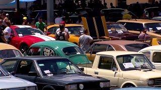 Marília: evento reúne apaixonados por carros antigos