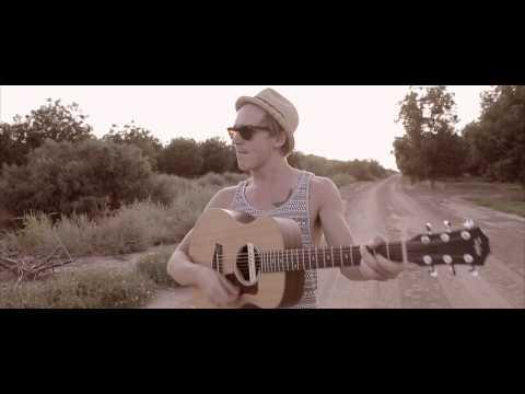 Tekst piosenki McFly - Chills In The Evening po polsku