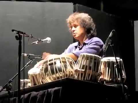 Video Very very nice performance by Zakir Hussain 01 download in MP3, 3GP, MP4, WEBM, AVI, FLV January 2017