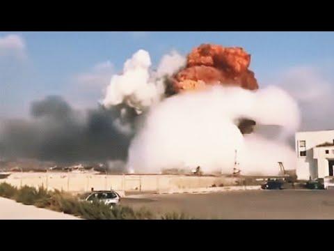 Beriut-Big-Blast-explosin-captured-by-mobile-phone-on-the-road #beirut#lebanon#