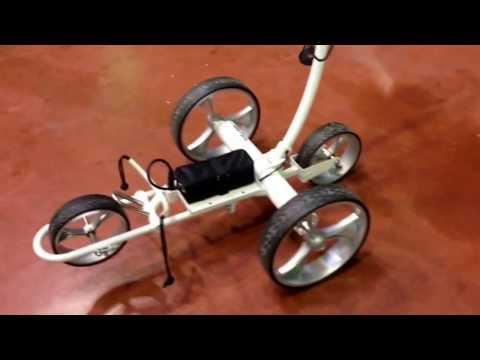 ITALIAN GOLF SHOW PARMA il carrello elettrico totalmente automatizzato e remotizzato