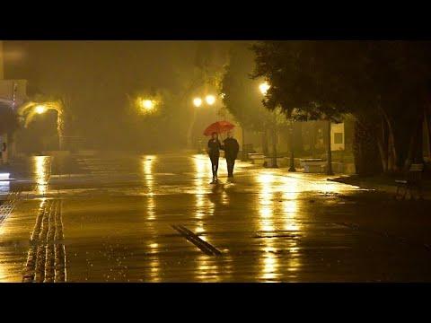 Βροχές και δυνατοί άνεμοι σε όλη τη χώρα – Στα «λευκά» η βόρεια και κεντρική Ελλάδα…