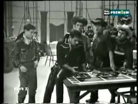 ", title : 'Adriano Celentano ""Ringo""'"