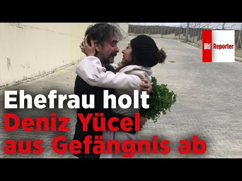 Ehefrau holt Deniz Yücel aus dem Gefängnis ab