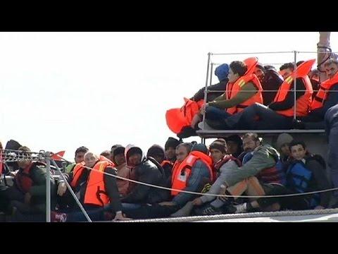 Διάσωση προσφύγων και μεταναστών ανοιχτά της Λευκάδας