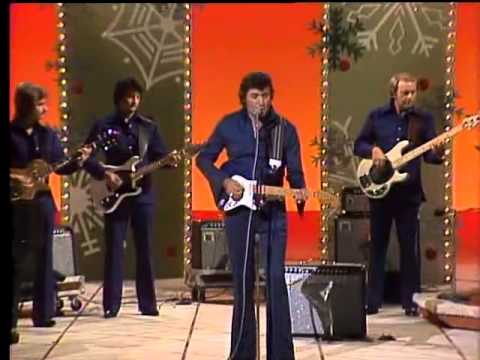 Johnny Cash and Family's 1977 Christmas Show