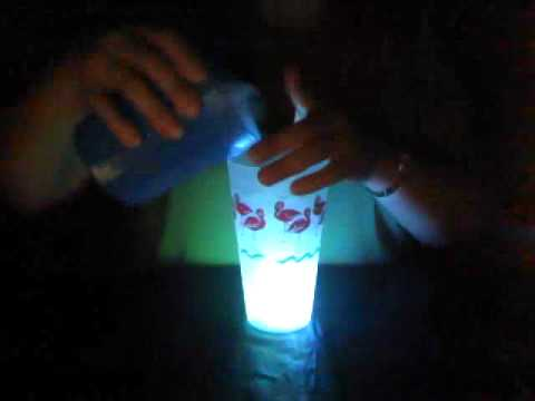 EyeCatchers Led Light Up Ice Cubes.wmv