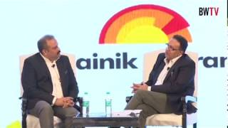 Dr Alok Bharadwaj in a chat with Sumit Sawhney CEO & MD of Renault at BW E4M
