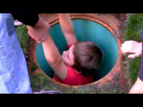 Il n'aurait jamais dû sauter dans le trou... ⚆ _ ⚆