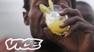 VICE correspondent Jordan Redaelli travels to Freetown, Sierra Leone, to learn about an indigenous drink called poyo. Poyo is ...