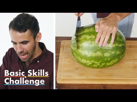 50 People Try to Cut a Watermelon   Epicurious (видео)