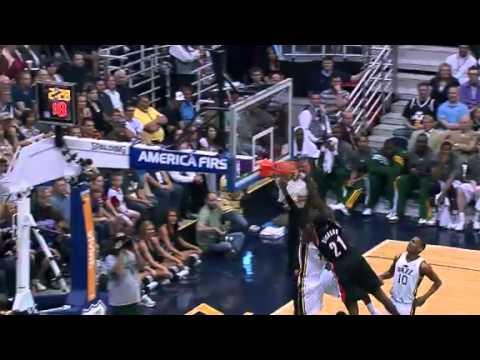 JJ Hickson posterizes dunk contest winner Jeremy Evans