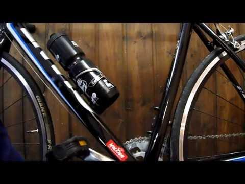DIY Flaschenhalter am Fahrrad montieren - Getränkehalter anbauen