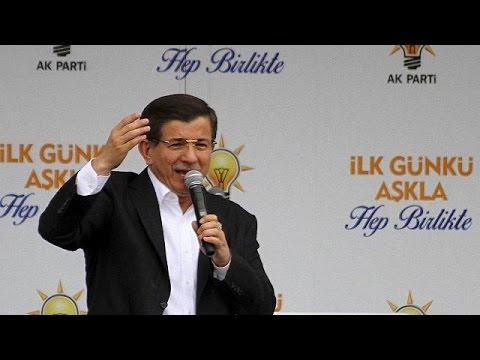 Τουρκία: Σάλος για τη φίμωση αντιπολιτευόμενων ΜΜΕ λίγα 24ωρα πριν τις κάλπες