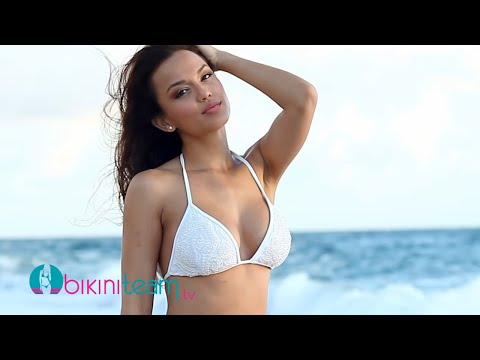 Bikini Friday - Raquel Gibson