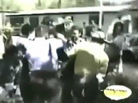 Homem Enfurecido mata Policiais a Facadas