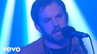 Video Kings Of Leon - Hands To Myself (Selena Gomez cover) in the Live Lounge MP3, 3GP, MP4, WEBM, AVI, FLV Juni 2018