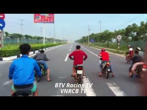 duaxe - Like/Share Chia sẻ clip và Subcribe cho channel VietNamRacingBoy nha các bạn http://www.facebook.com/VietNamRacingBoyTV Đua xe , Biên Hòa , Bình Dương ...