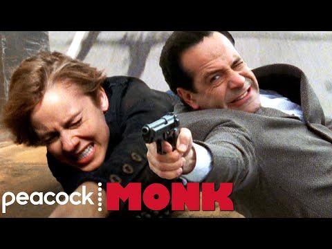"""You Unbuckled Your Seat Belt?"" | Monk"