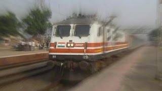 The TOP TEN FASTEST Trains Of Indian Railways At High Speed!!
