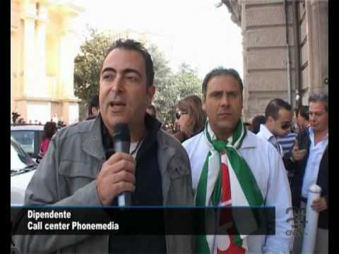 """""""Phonemedia"""", dipendenti senza stipendio da tre mesi. Scatta la protesta"""