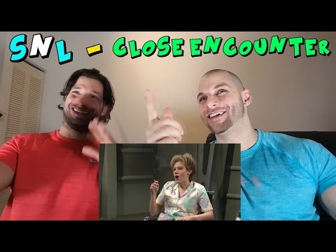 Close Encounter - SNL [REACTION] (видео)