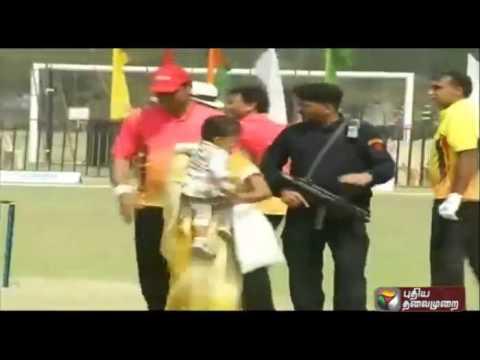 Public-enter-stadium-to-see-Uttar-Pradesh-CM-Akhilesh-Yadav-in-Lucknow