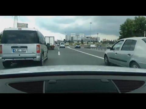 Crazy Audi TT driver on Highway