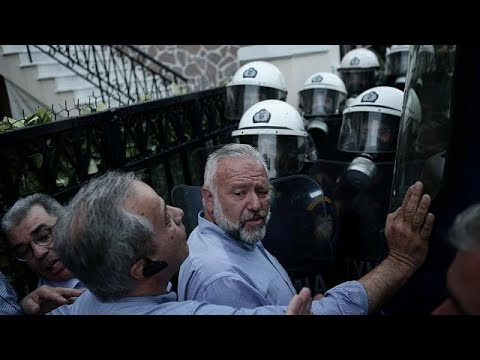 Lesbos: Krawalle, Streik und Demo wegen Flüchtlingsan ...
