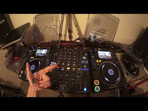 INTERMEDIATE DJ MIXING LESSON ON OLD SCHOOL DISCO TRANSITIONS