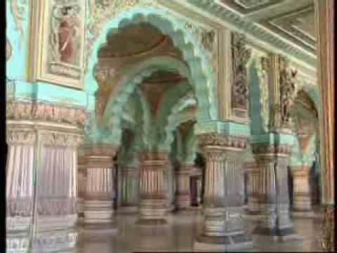 Public Durbar Hall inside Mysore Palace (Mysore)