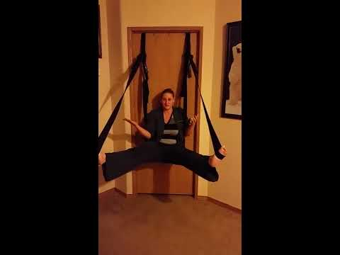 Video How to use the Frequent Flier Door Swing download in MP3, 3GP, MP4, WEBM, AVI, FLV January 2017