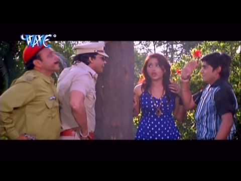 Video खुलेआम चुम्मा चाटी - Bhojpuri Comedy Scene - Uncut Scene - Comedy Scene From Bhojpuri Movie download in MP3, 3GP, MP4, WEBM, AVI, FLV January 2017