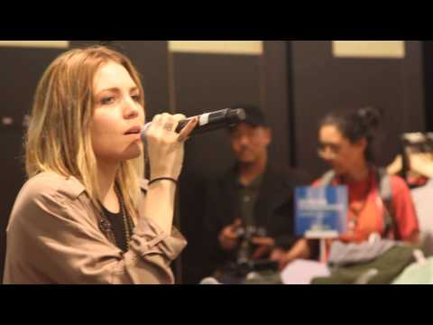 Skylar Grey Live at The Grove in L.A. – Love the Way You Lie