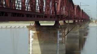 Garhmukteshwar India  city pictures gallery : INDIAN RAILWAYS Old and new spans on Ganga river at Garhmukteshwar